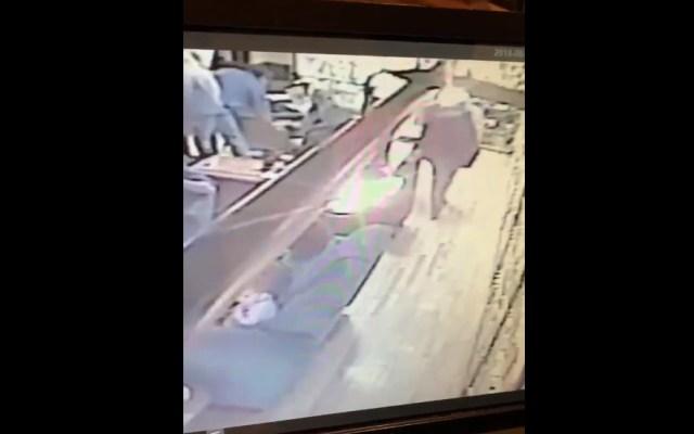 #Video Roban cartera en cafebrería El Péndulo - Robo en cafebrería El Péndulo. Captura de pantalla