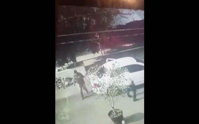 Detienen a elemento de PGJ que escoltó a secuestradores en la Morelos - Captura de pantalla