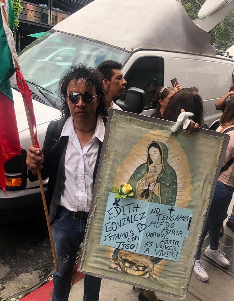 Seguidor de Edith González. Foto de LDD