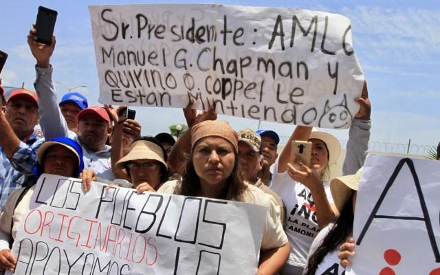 Reciben a AMLO en Sinaloa con peticiones y exigencias - Sinaloenses recibieron a AMLO con exigencias. Foto de Notimex