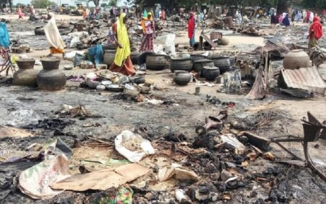 Triple atentado suicida deja 30 muertos en Nigeria - Restos de ataques suicidas en Nigeria. Foto de Daily Sabah