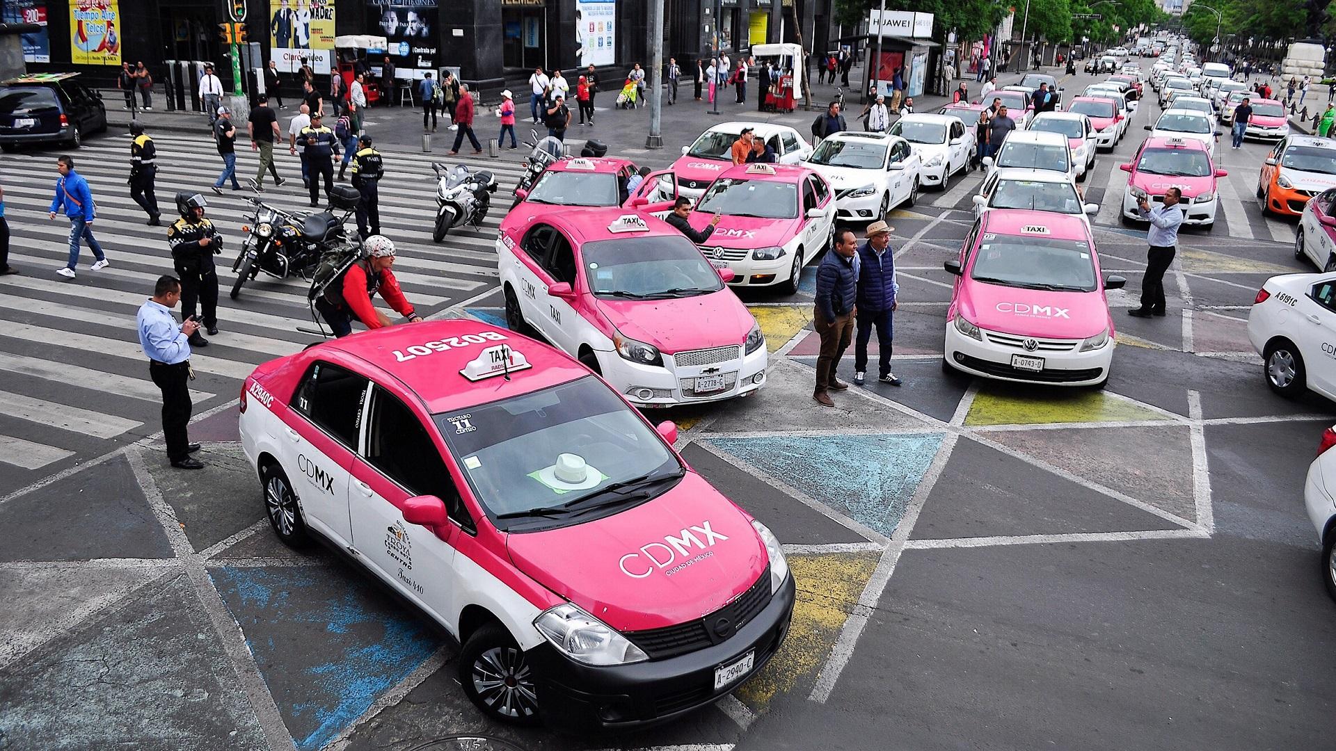 Taxis de CDMX seran hibridos y tendran app
