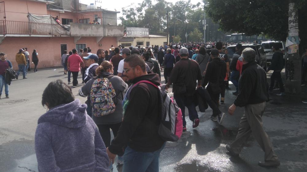 Siguen negociaciones por reubicación de tianguis en Santa Cruz Meyehualco - Foto de @frank_miranda