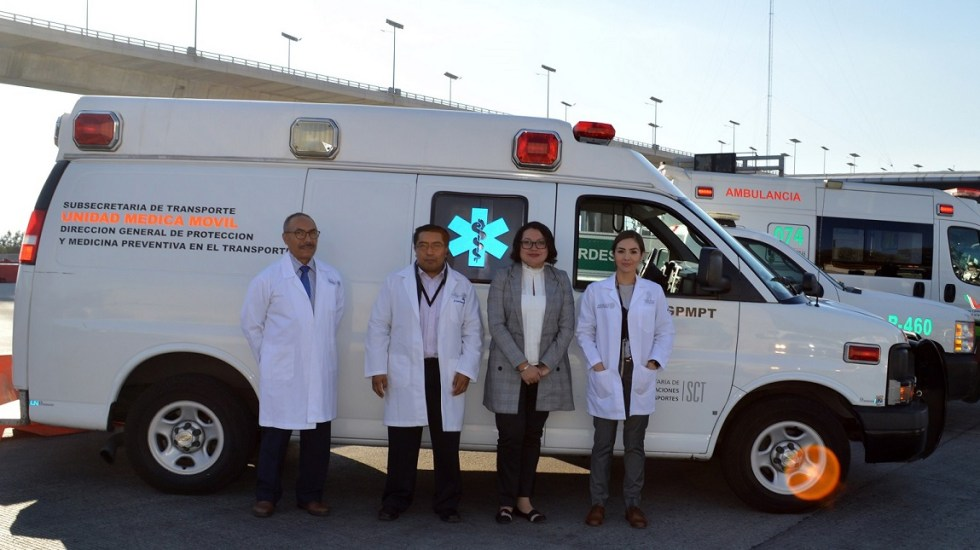Despliegan operativos de seguridad por vacaciones de verano - Unidad Médica Móvil de la SCT para exámenes médicos. Foto de SCT