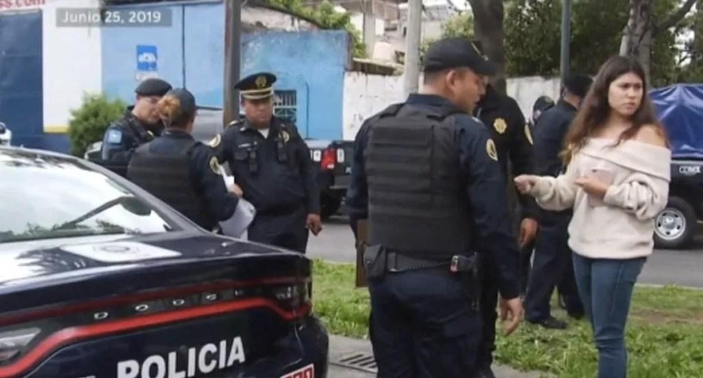 Policías que agredieron a conductora en Viaducto enfrentan imputación por abuso sexual - Viaducto Miguel Alemán conductora detenida SSC abuso sexual 2