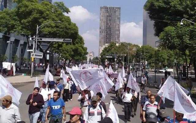 Antorchistas marchan en la Ciudad de México - Foto de @AntorchaCdMex