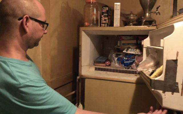 Hombre encuentra bebé momificado en congelador de la casa de su mamá - Foto de The St. Louis Post-Dispatch