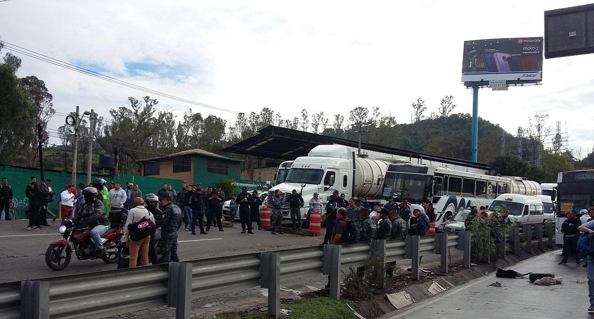 Bloqueo en la México-Pachuca. Foto de @beto_balbuena