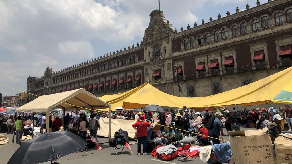 Campesinos retiran campamentos del Zócalo capitalino. Noticias en tiempo real