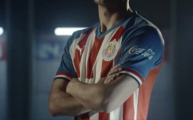 #Video Chivas presenta uniforme de local para el Apertura 2019 - uniforme chivas