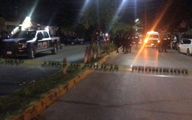 Liberan a personas retenidas en Quintana Roo - Cierre de la Av. Santa Fe por privación ilegal de la libertad de 25 personas. Foto de @CInformativoMx