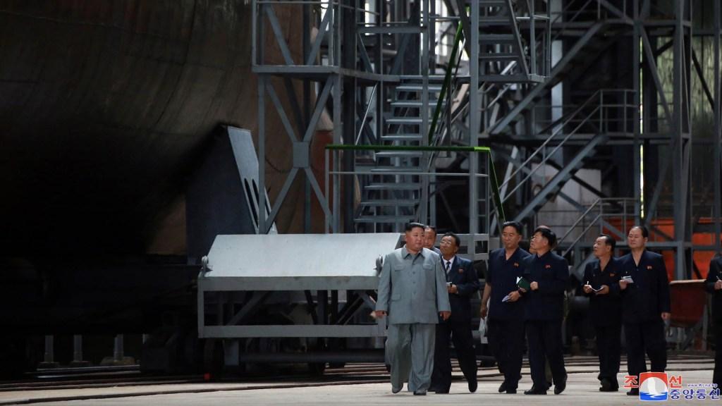 Kim Jong-un recorre nuevo submarino y agrega presión al diálogo con EE.UU. - Corea del Norte Kim Jong-un submarino