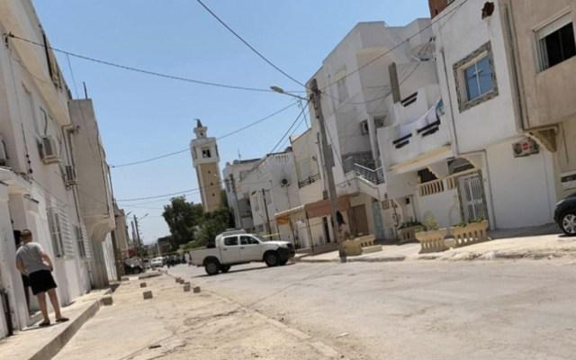 Encuentran material explosivo en mezquita de barrio donde abatieron a yihadista - Foto de @RadioMosaiqueFM