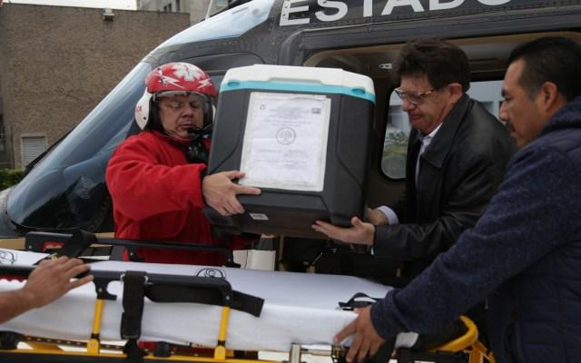 Hospital La Raza recibe sexto corazón para trasplante - El corazón arribó al hospital de La Raza en un helicóptero del Grupo Relámpagos del Edomex. Foto de IMSS
