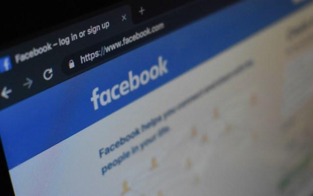 Facebook e Instagram se caen en varios países - Foto de Con Karampelas para Unsplash