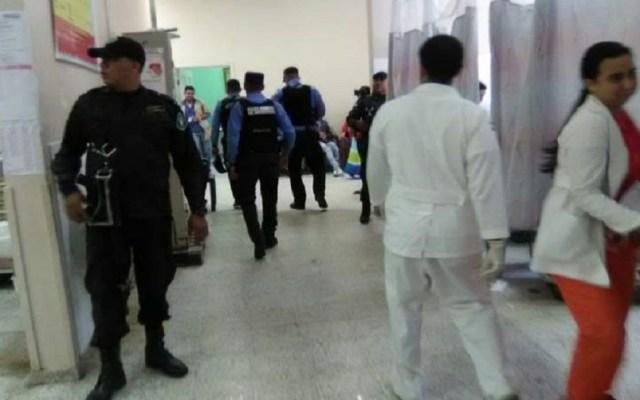 Enfrentamiento en penal de Honduras deja un muerto y tres heridos - Hospital Regional al que fueron trasladadas las víctimas. Foto de El Heraldo Honduras