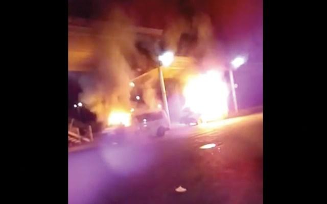 #Video Incendian unidades de transporte público en Tecámac - Captura de pantalla