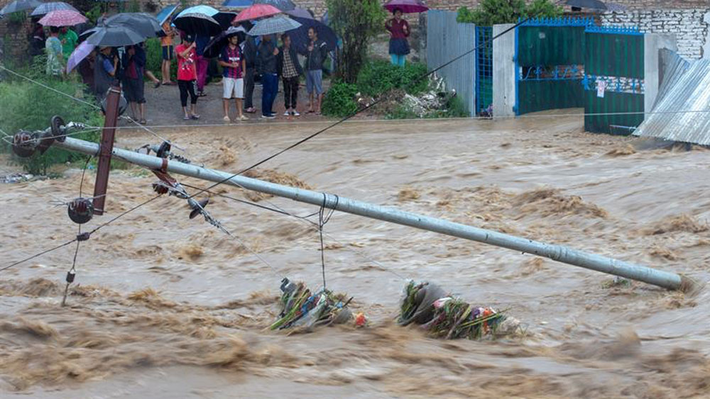 Al menos 88 muertos por lluvias en Nepal e India - lluvias nepal