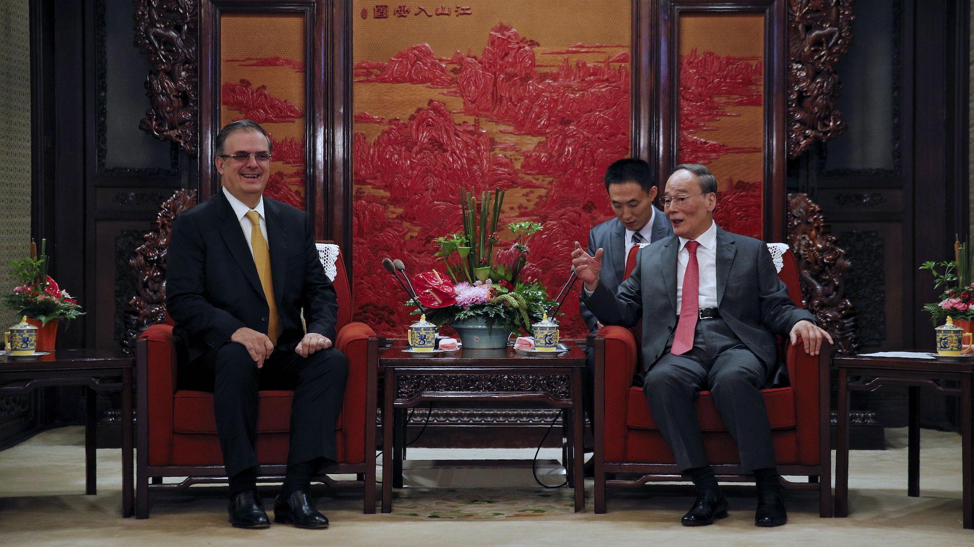 Marcelo Ebrard inicia visita a China