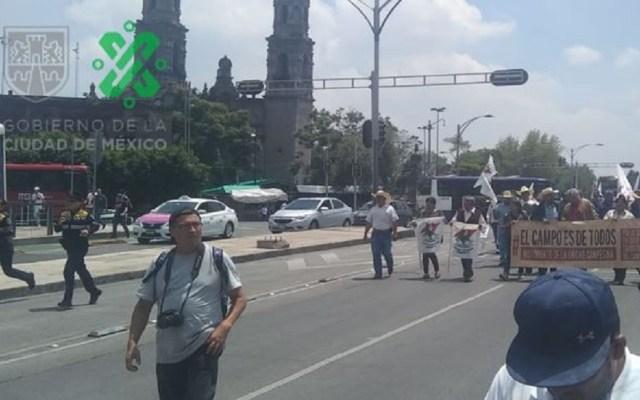 Marcha de Movimiento Campesino arriba a la Segob - Marcha de campesinos. Foto de @OVIALCDMX