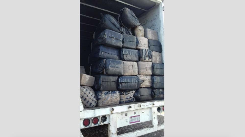 Ejército asegura camión con una tonelada de mariguana en Nayarit. Noticias en tiempo real
