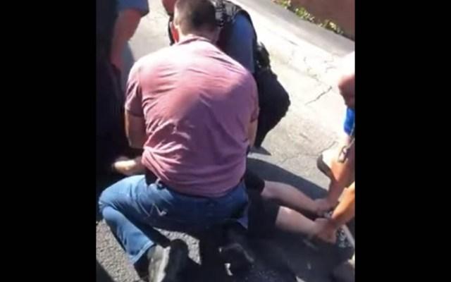 Migrante mexicano al que agentes de ICE sacaron de su auto ya fue deportado - Captura de pantalla