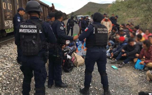 Rescatan a 59 migrantes en vías férreas de Coahuila