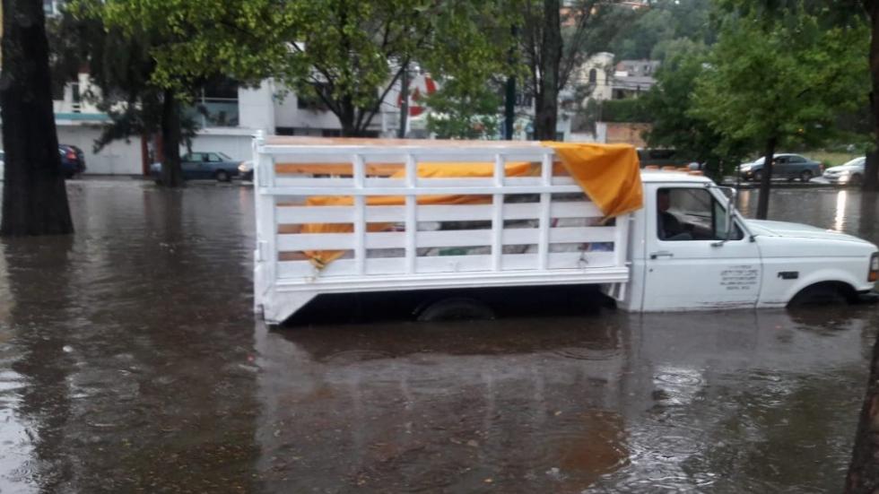 Lluvia y granizo en Morelia dejan inundaciones. Noticias en tiempo real