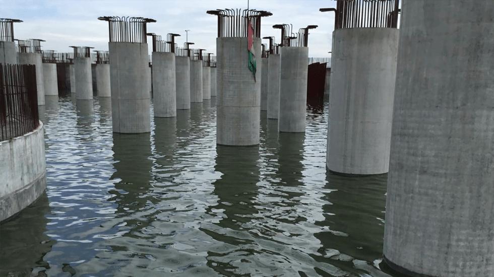 SCT rechaza inundación de pilotes del NAIM - Foto Especial