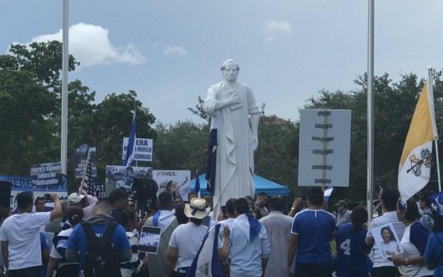 """Nicaragüenses de Miami elevan """"grito contra la tiranía"""" de Ortega - Protesta en Nicaragua. Foto de @ArnulfoPeraltaS"""