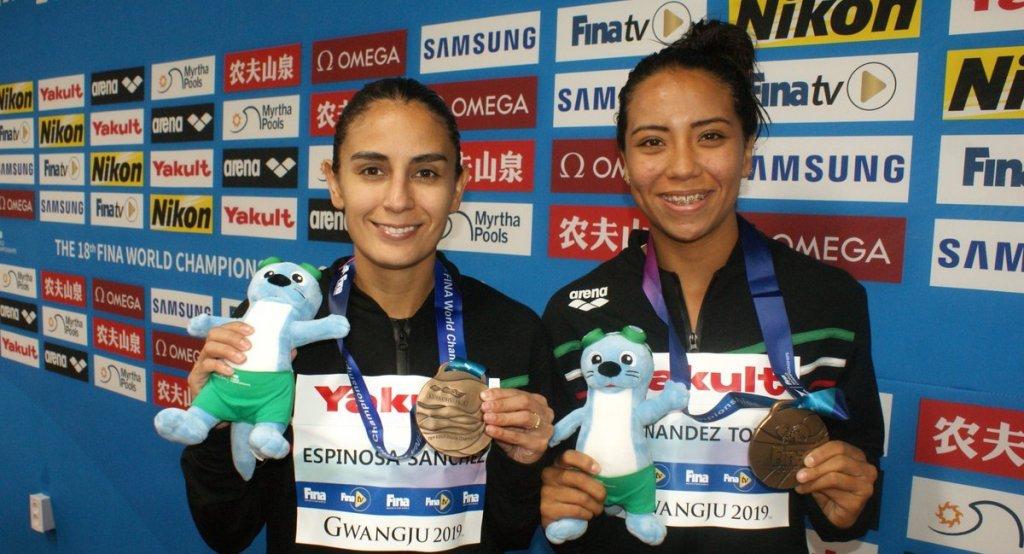 Paola Espinosa y Melany Hernández ganan pase a los Juegos Olímpicos de Tokio 2020 - Foto de @FemexNatacion
