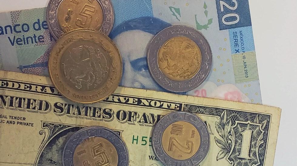 El dólar cobra fuerza y cierra jornada en 19.92 pesos - Peso doólar dólares tipo de cambio moneda billetes dinero