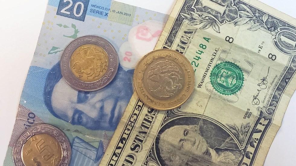 Dólar cierra en hasta 20.49 pesos - Peso dólar dólares tipo de cambio moneda billetes dinero
