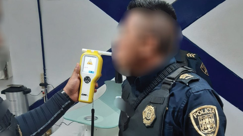 SSC desmiente que policías ingirieran bebidas alcohólicas en calle de Pantitlán - Foto de Twitter SSC