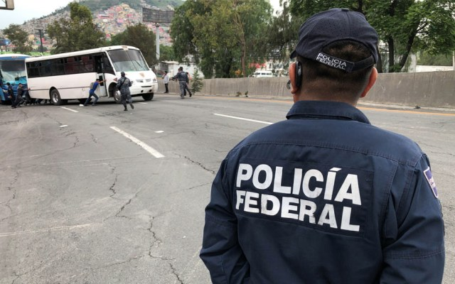 PRI en el Senado exige respeto a la Policía Federal - Policía Federal bloqueos