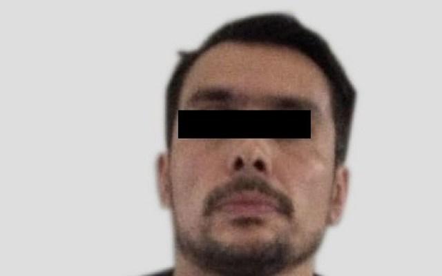 Detienen a presunto policía federal por defender a narcomenudista - Presunto policía federal arrestado en la Agrícola Oriental. Foto de PGJ-CDMX