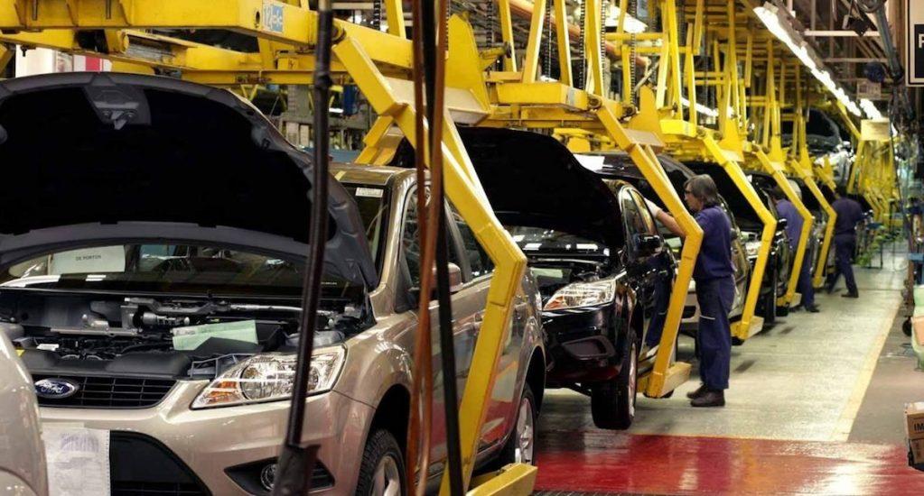 Producción de vehículos ligeros de octubre representó la peor caída en 30 años - Foto de Notimex.
