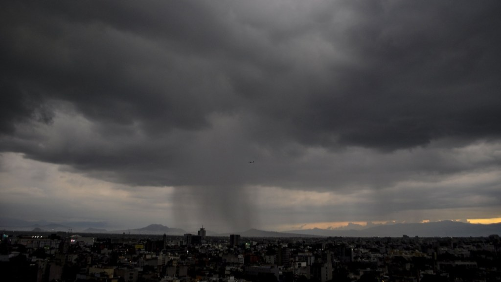 Llueve en distintos puntos de la Ciudad de México. Noticias en tiempo real