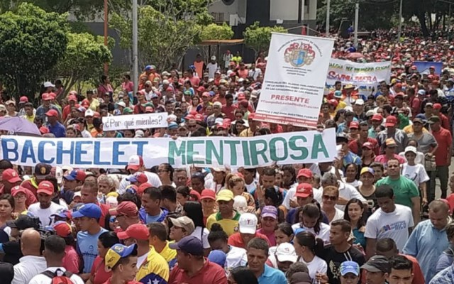 """Chavismo se manifiesta en rechazo al informe """"sesgado"""" de Derechos Humanos de la ONU - Foto de @SierraCarlosVEN"""