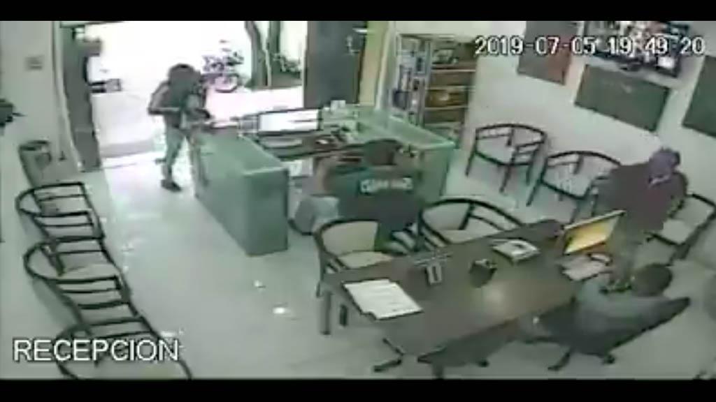 #Video Asaltan escuela de computación en la Condesa - Robo Condesa asalto Edumac