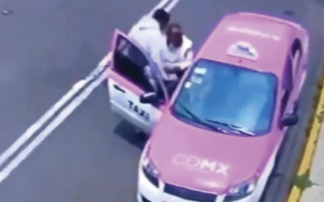 #Video Taxista roba pertenencias de mujer discapacitada - Captura de pantalla