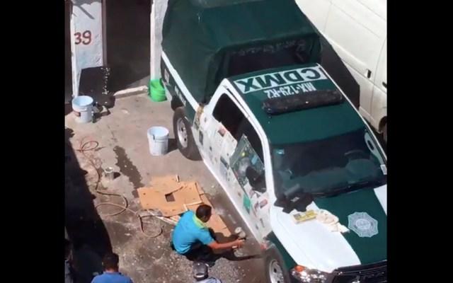 Sancionarán a policía por mandar a pintar patrulla en estacionamiento - sanción patrulla pintada colonia del valle orta