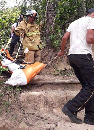 Sara L. murió al caer a un barranco desde un mirador de Guatemala. Foto de @RBCNoticiasGT