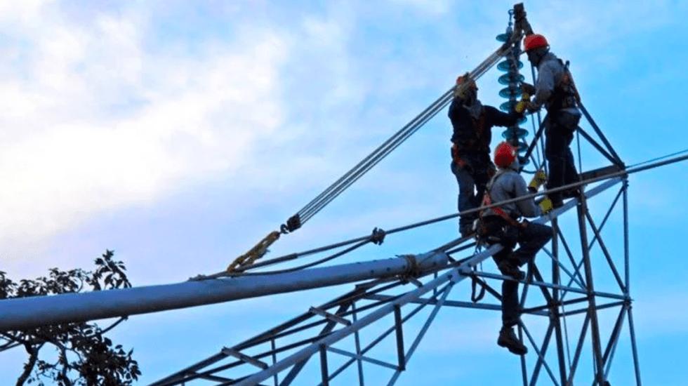 México deberá doblar su producción eléctrica en los próximos 15 años - Trabajadores de CFE
