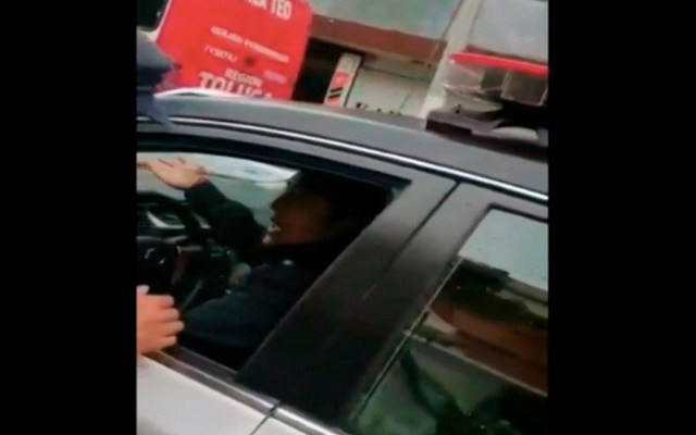 Acusan a policía de sembrar mariguana a joven para extorsionarlo en Toluca - acusan a policía de toluca de sembrar mariguana a joven para extorsionarlo