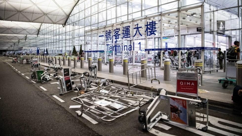 Tribunal de Hong Kong prohíbe a manifestantes permanecer en el aeropuerto - Foto de EFE