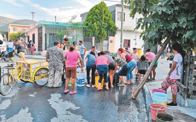 Continúa escasez de agua por fuga masiva en Monterrey - Foto de Milenio