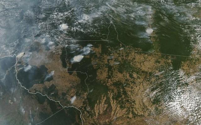 Así luce el incendio de la Amazonía desde el espacio - Foto de NASA