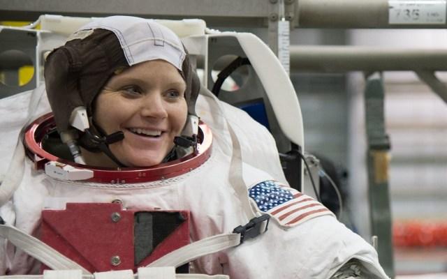 Ex pareja de astronauta exige justicia por delito cometido en el espacio - Astronauta Anne McClain. Foto de nasa2explore / Flickr