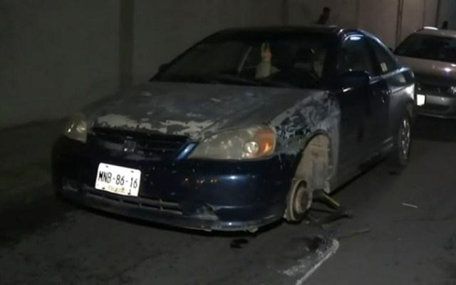 Bache en Constituyentes provoca daños en al menos 20 vehículos - bache constituyentes